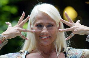 """Heather Parisi (ancora) contro Lorella Cuccarini: """"Pago le tasse in Usa. Ora... lo sai"""" (foto Ansa)"""