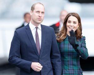 Kate Middleton e il cappottino scozzese di Alexander McQueen
