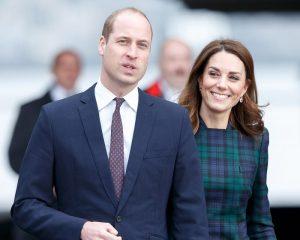Kate Middleton e il cappottino scozzese di Alexander McQueen4