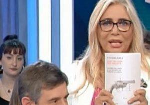 Mara Venier saluta Antonio Pallante, attentatore di Palmiro Togliatti, a Domenica In