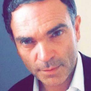 """Yann Moix, scrittore francese: """"Le donne di 50 anni? Sono invisibili. Vado solo con 25enni orientali"""""""
