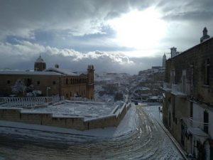 Meteo, tornano freddo e neve al Centro Sud anche a bassa quota