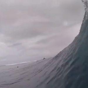 Polinesia Francese, onda vista da dentro: il VIDEO del surfista