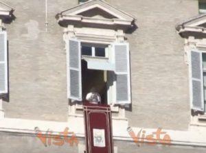 Papa Francesco, appello per i migranti di Sea Watch e Sea Eye VIDEO