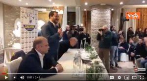 """Salvini ad una conferenza:""""Dobbiamo fare veloce perché dobbiamo andare a vedere Sanremo"""" VIDEO (Agenzia Vista)"""