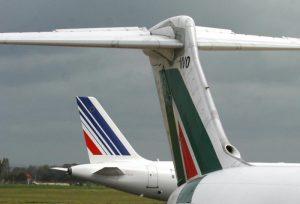 Macron, vendetta per Di Maio: Air France scarica Alitalia