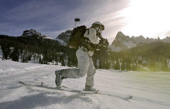 gli alpini si esercitano in montagna7