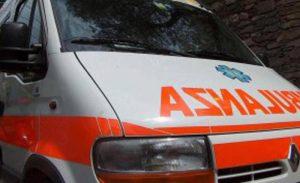 A24, auto tampona tir: automobilista morto nell'incidente