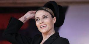 Anna Foglietta critica Sanremo: Sketch imbarazzanti, Ultimo stia calmo