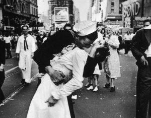 Bacio Times Square fu estorto? Non è MeToo, è sessuofobia