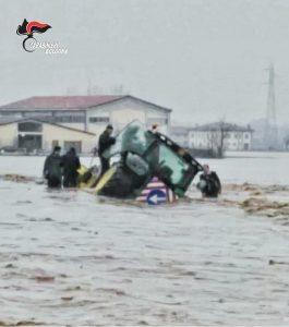 Carabinieri travolti dal fiume Reno vicino Bologna: 6 feriti