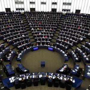 Elezioni europee: chi, come, quando. Il primo sondaggio, popolari e socialisti senza maggioranza