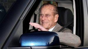 Principe Filippo, 97 anni, rinuncia alla patente dopo l'incidente