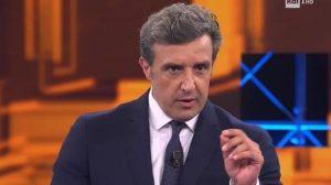 """L'Eredità, Claudio Lippi su Flavio Insinna: """"La Rai avrebbe dovuto sospendere il programma"""""""