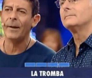 """Avanti un Altro, Luca Laurenti circondato dalle fan. Bonolis: """"Un grande..."""""""