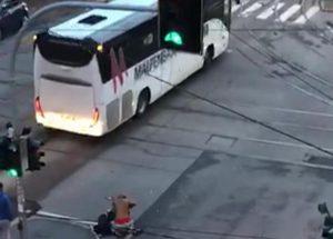 Milano, nordafricano accoltellato in strada in pieno giorno, tra via Farini e viale Stelvio