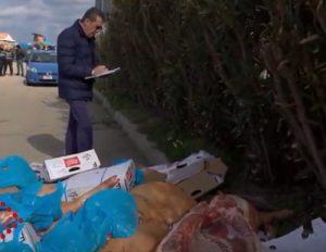 Pastori sardi bloccano carne d'importazione. E minacciano di bloccare elezioni