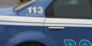 Salerno, immigrato ubriaco minaccia i passanti con una bottiglia: arrestato