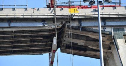 Ponte Morandi, via a demolizione moncone ovest6