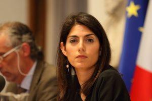 Rifiuti Roma, giunta Raggi boccia bilancio Ama: assessore Montanari si dimette