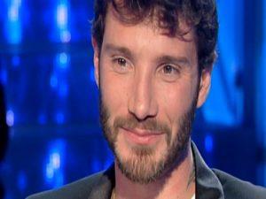 """Isola dei Famosi, Stefano De Martino: """"Un supplizio. Non la guarderei mai in tv"""""""