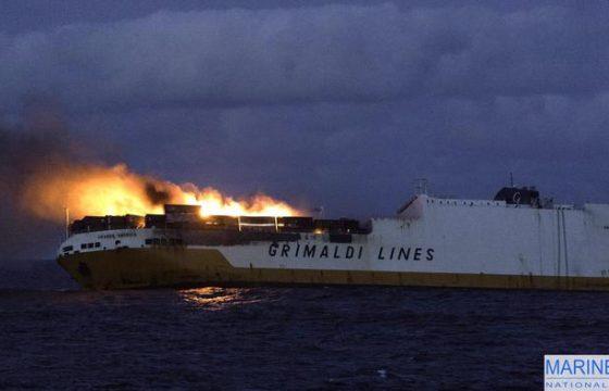 Grande America, nave Grimaldi che affonda nell'Atlantico dopo incendio3