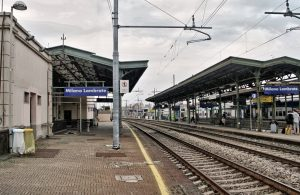 Milano, uomo travolto e ucciso da un Frecciarossa alla stazione Lambrate. Ritardi fino a 20 minuti