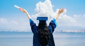 Pensioni, riscatto laurea under 45 al via: 5200 euro per anno di studio, la circolare Inps