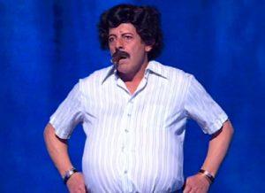 Ciao Darwin 2019, Luca Laurenti entra vestito da... Pablo Escobar