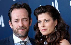 """Luke Perry, la compagna Wendy Madison Bauer rompe il silenzio: """"Con lui gli anni più belli"""""""
