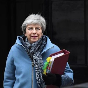 Brexit, Theresa May offre le sue dimissioni in cambio dell'ok all'accordo
