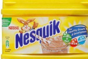 Nesquik, addio scatola di plastica gialla: si passa al cartone. Svolta ecologista di Nestlè