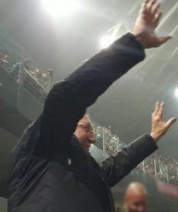 Pippo Baudo vera superstar al concerto di Eros Ramazzotti a Roma