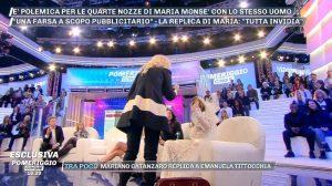 """Pomeriggio 5, Daniela Del Secco a Maria Monsé: """"Bella porcella..."""". E scoppia la rissa"""