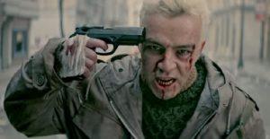 """Salmo nella scena iniziale del videoclip di """"Lunedì"""""""