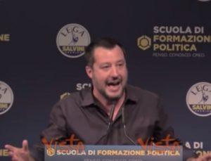 """Matteo Salvini contro Repubblica e Corriere: """"Parlano di come mi vesto. Non sanno di che ca*** scrivere"""" VIDEO"""