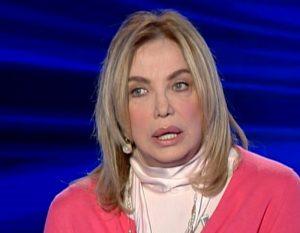 Simona Izzo a Caterina Balivo di Vieni da me confessa chirurgia plastica