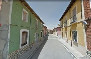 Robin Hood spagnolo: lascia soldi davanti alle case dei poveri