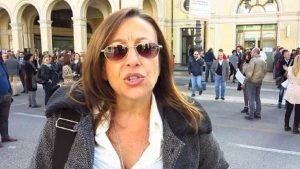 """Legittima difesa, Tiziana Favero (Pd): """"Leghisti del c... ora rischiate che vi sparo a vista"""""""