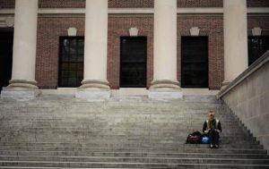 Università Usa nella bufera: 50 persone coinvolte nello scandalo tangenti per le ammissioni (foto Ansa)