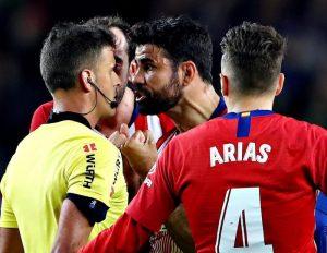 Diego Costa squalificato 8 giornate, ha insultato arbitro in Barcellona-Atletico: il suo campionato è finito