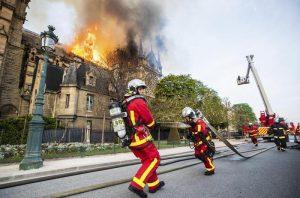 """Notre-Dame, procuratore Parigi: """"Atto doloso escluso1"""