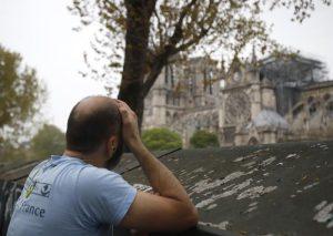 """Notre-Dame, procuratore Parigi: """"Atto doloso escluso3"""