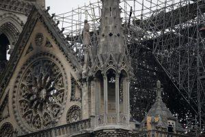 """Notre-Dame, procuratore Parigi: """"Atto doloso escluso4"""