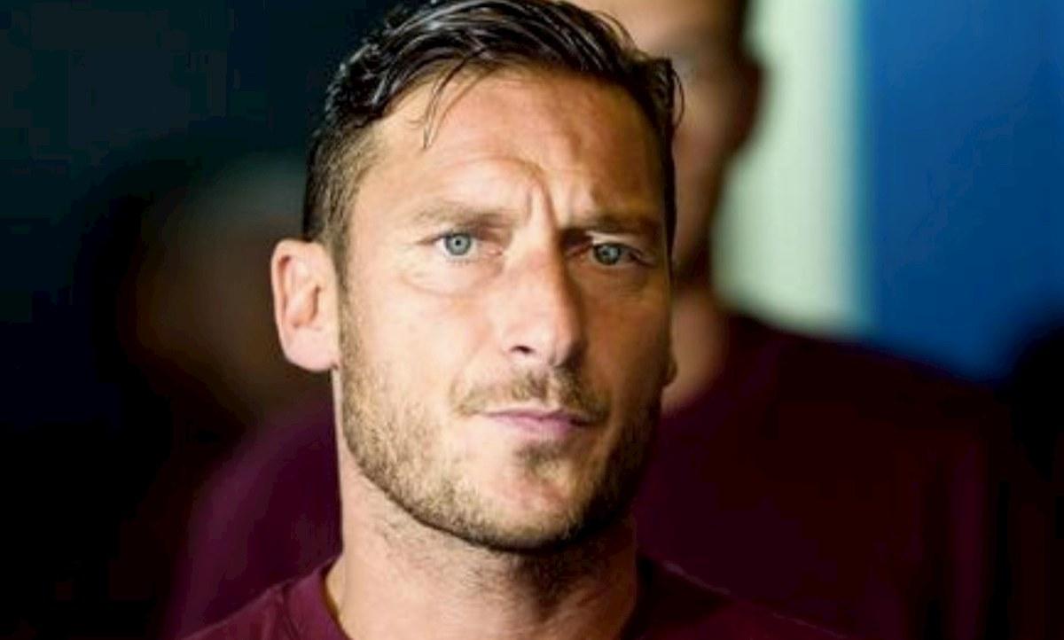 scegli genuino fashion design economico per lo sconto Francesco Totti, biografia Un Capitano, serie tv libro di ...