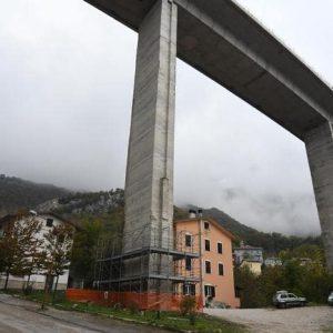 Autostrada A2, suicidio tra Pizzo Calabro e Vibo Valentia: 30enne si lancia dal viadotto