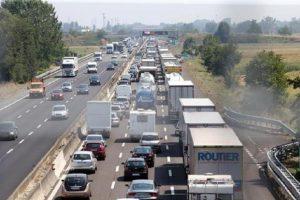 A4, due incidenti bloccano l'autostrada. Coda di 14 km (foto Ansa)