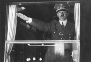 Adolf Hitler, all'asta il telegramma ritenuto il biglietto di addio