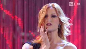 Ballando con le Stelle: Alessandra Tripoli, il vestito cede e... Milly Carlucci senza parole