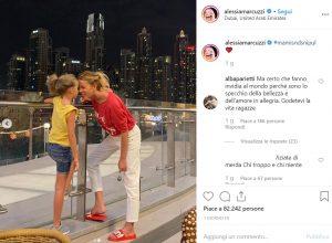 Alessia Marcuzzi e figlia in vacanza, critiche dai fan. Alba Parietti la difende